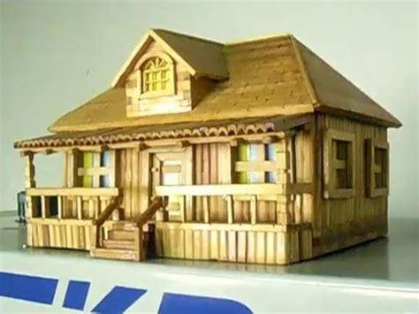 casa in miniatura miniatura de casa de madeira