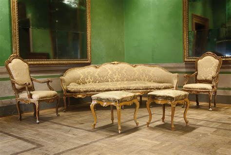 divano luigi xv coppia di poltrone venete di epoca luigi xv in legno