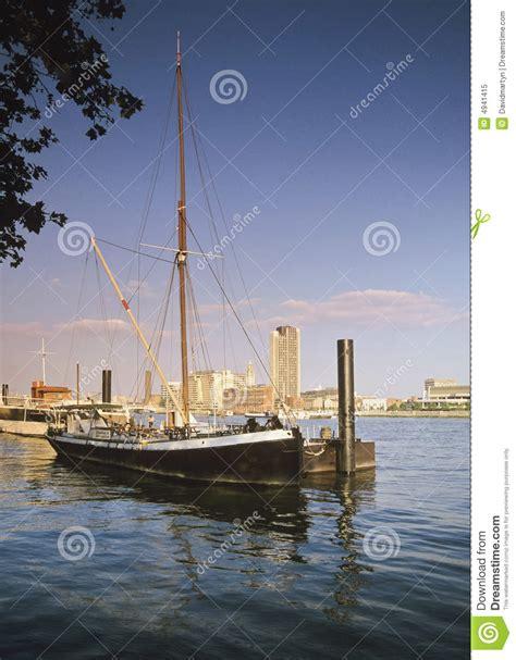 thames river boat bars river thames royalty free stock photo image 4941415