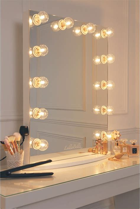 decor chic mirror  light bulbs  makeup