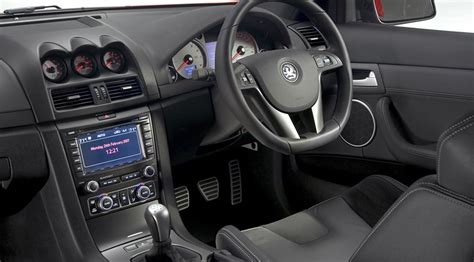 vauxhall vxr8 interior vauxhall vxr8 facelift 2008 review by car magazine