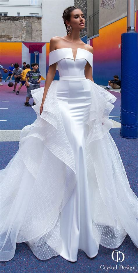 pin  exquisite wedding gowns