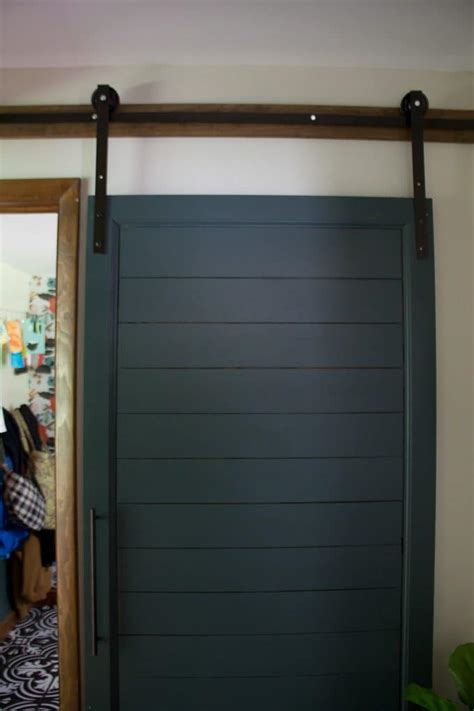Painted Barn Doors Diy Faux Shiplap Barn Door Green Barn Door