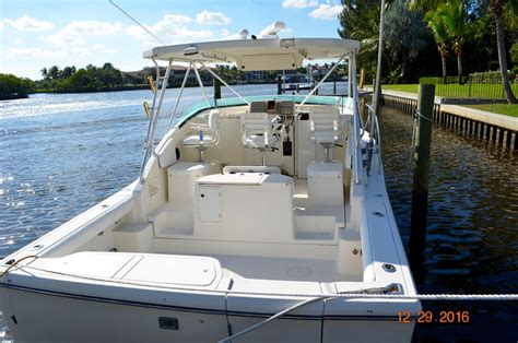 pursuit 3000 express used boats 1995 used pursuit 3000 offshore express sport fisherman