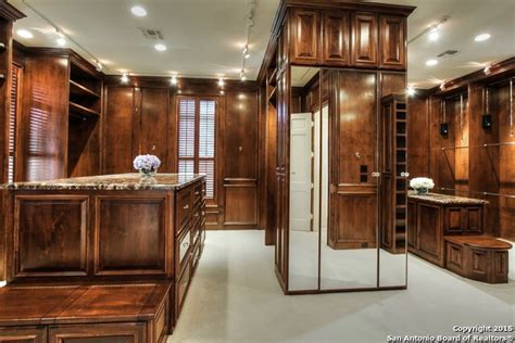 Custom Closets San Antonio by 9 Luxurious Closets In San Antonio Fit For Royalty