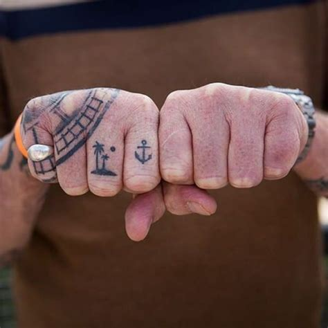 knuckle tattoo gallery 92 badass knuckle tattoos that will make you proud