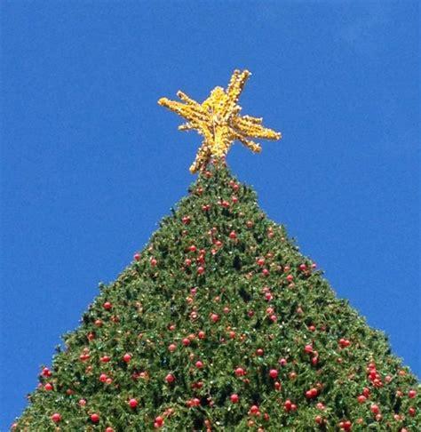 delray beach tree lighting 2017 christmas tree lighting in delray 100 foot christmas tree