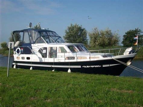 jacht verhuur jacht huren friesland yachtcharter 2000 heerenveen