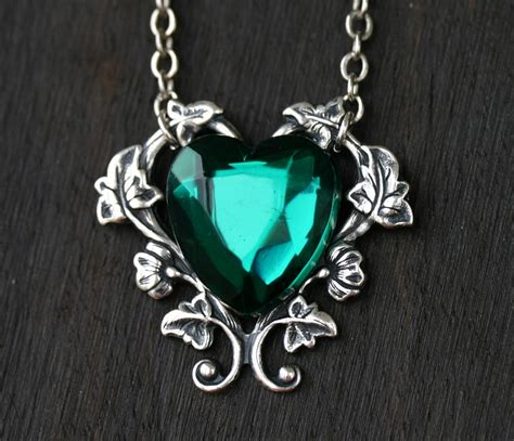 green necklace emerald green necklace