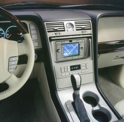 car review: 2005 lincoln navigator 2wd