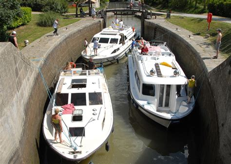 boat launch rideau canal chris robinson travel news le boat launches cruises on
