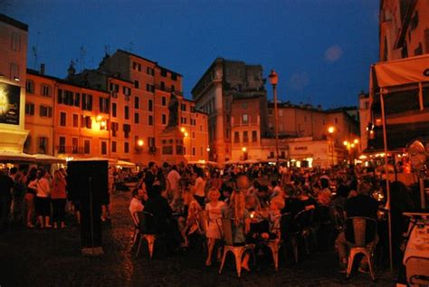 piazza co de fiori evening activity picture of co de fiori rome