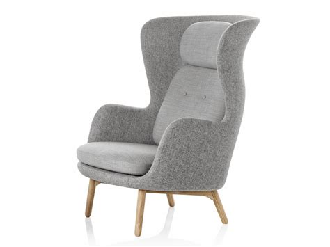 buy the fritz hansen ro easy chair wooden base at nest co uk