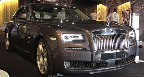 rolls royce light rolls royce ghost car pictures images gaddidekho com