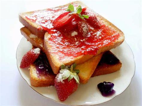 cara membuat roti bakar rasa strawberry resep cara membuat roti bakar yang enak dengan mudah