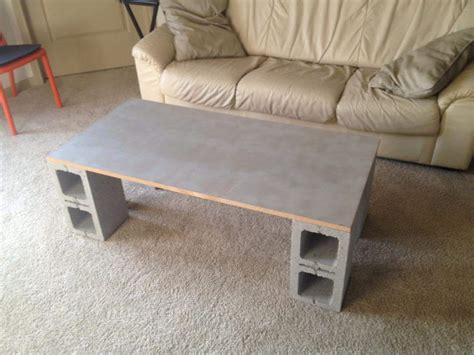 Cinder Block Desk by 55 Marvelous Ways To Use Cinder Blocks For Your Diy Projects
