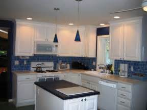Backsplash For Kitchen With White Cabinet by Bathroom Backsplash Ideas With White Cabinets Subway