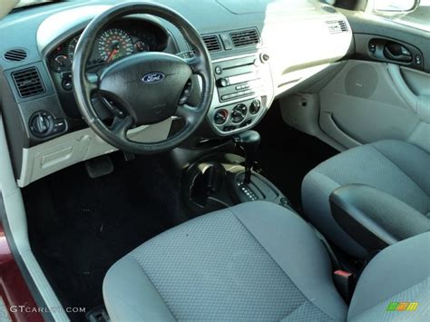 2006 Ford Focus Interior by Charcoal Light Flint Interior 2006 Ford Focus Zx3 Ses