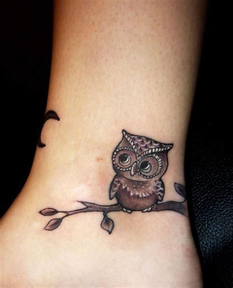 simple owl tattoo design best 25 simple owl ideas on owl sketch