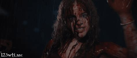 membuat gif running text wtf carrie 2013 1 2 3 wtf watch the film