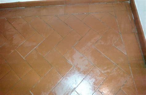Olio Di Lino Per Pavimenti In Cotto olio di lino per ravvivare pavimenti in cotto fai da te