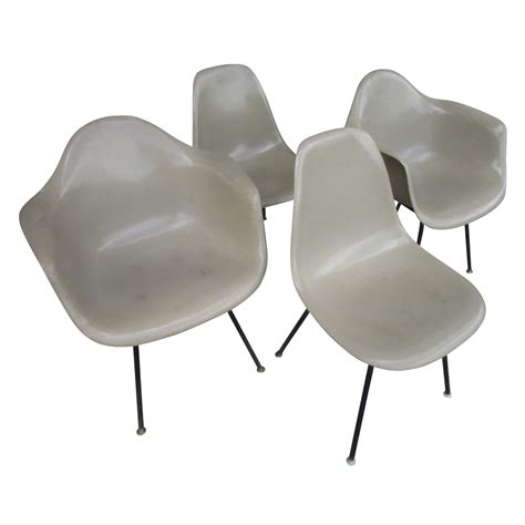 retro futuristic furniture rondocubic chair 01 vintage mid century modern fiberglass shell chair eames