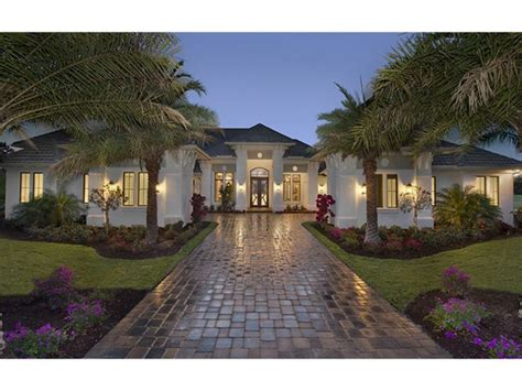 one story mansions best 25 one story homes ideas on pinterest house plans