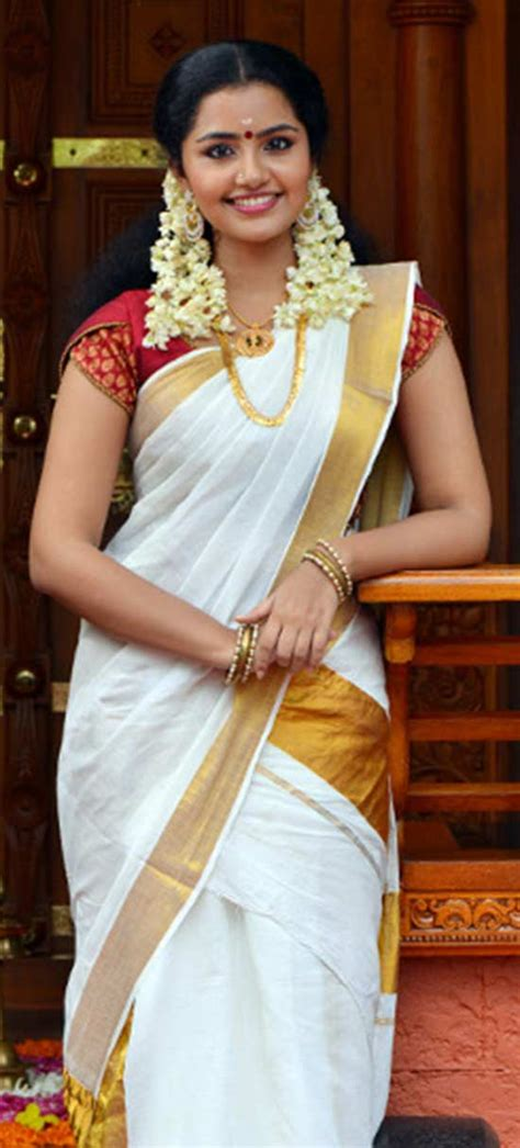 10 awesome pic of anupama parameswaran in saree