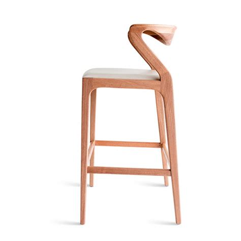 Curved Back Counter Stool by 10 Counter Stools That Won T Kill Your Back I D 233 Cor Aid