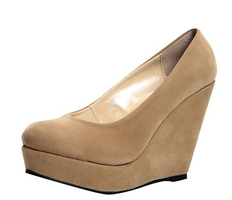 Wedges Keren Wedges 1 closed toe 1 2 inch wedges on the hunt
