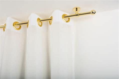 supporti per tende a soffitto bastone per tende in ottone con supporto a soffitto archema
