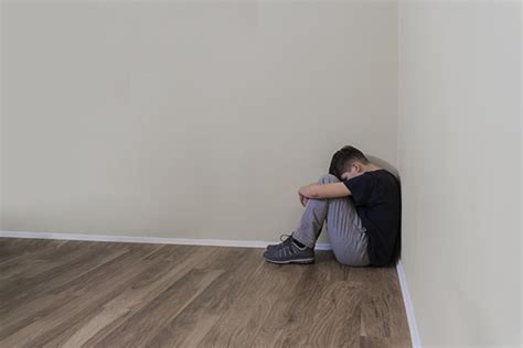 alone in a room sad boy alone in a room photo free