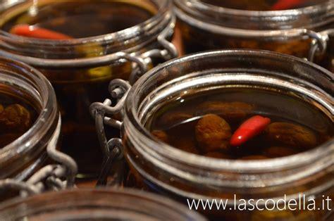 grosso vaso per l olio olive nere sott olio