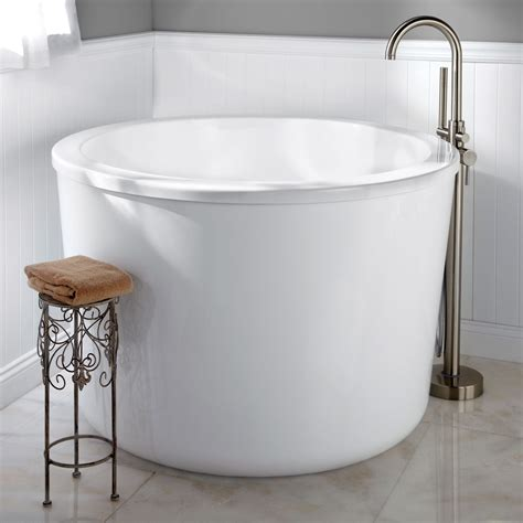japanese bathroom uk 47 quot caruso acrylic japanese soaking tub japanese soaking