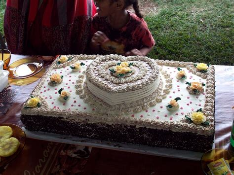 Hochzeitstorte 50 Personen eine hochzeitstorte f 252 r 50 personen torten kuchen