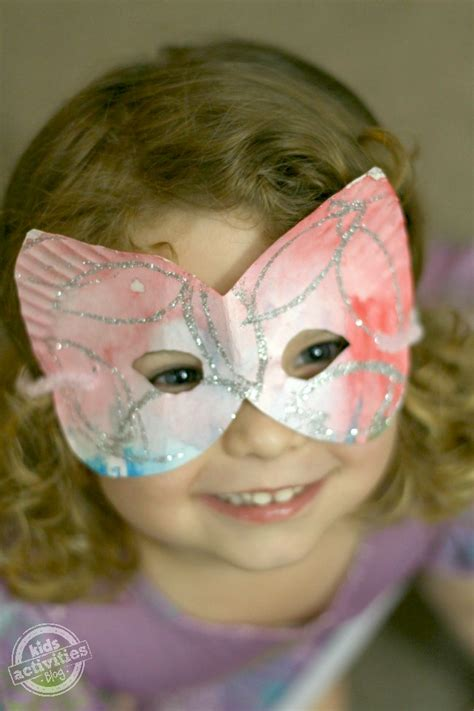 A Mask Out Of Paper - how to make paper plate masks