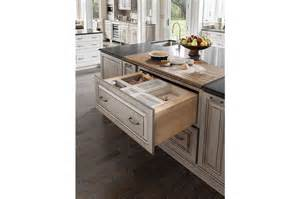 Cherry Kitchen Island Room Gallery Medallion Cabinetry Cherry Peppercorn