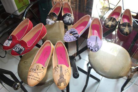 Sepatu Cewek Cantik Diskon Flat Shoes Gratica Ma Maroon Terbaru sepatu lukis produk partner pesanan pada tanggal 29 juli 2014