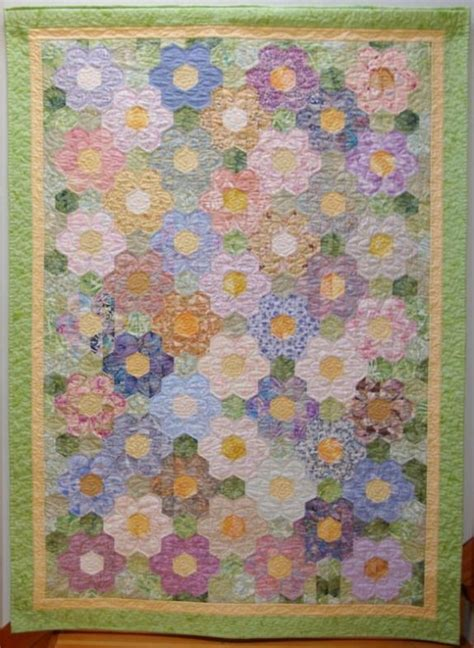 Grandmother Garden Quilt Pattern by 25 Best Ideas About Flower Quilts On Quilts