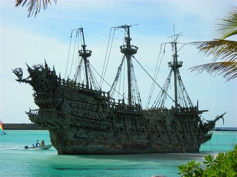 schip pirates of the caribbean pirates of the caribbean ship