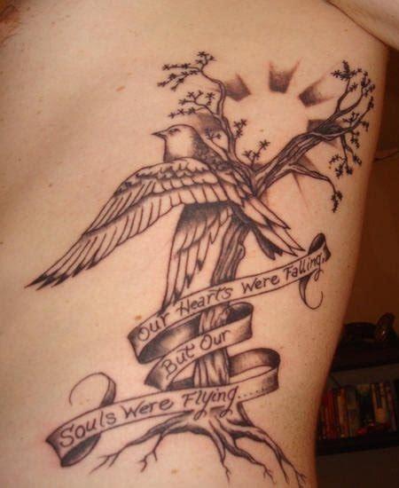 tatuaggi fiori fianco 64 idee per tatuaggi sul fianco e sul costato