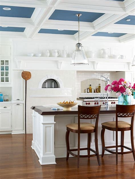 Kitchen Ceiling Paint by Tons Of Ways To Trim Your Ceiling Dig This Design