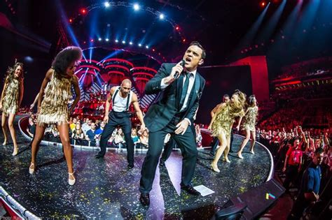 robbie williams swing concert preview robbie williams swings both ways live tour