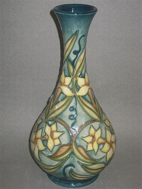moorcroft vase shapes images