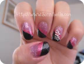 Nail art tri color pink glitter black pink white flowers