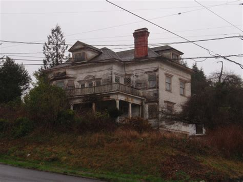 haunted houses in oregon reportedly haunted locations in oregon