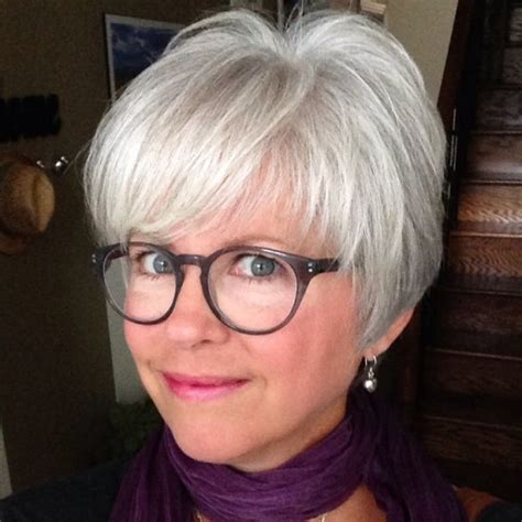 Hairstyles For 70 With Glasses by The Best Hairstyles For 50 80 Flattering Cuts