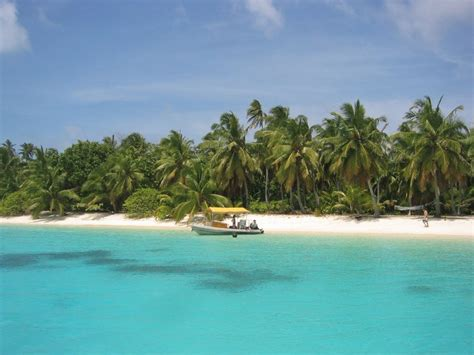 coco island cocos islands population area capital cities