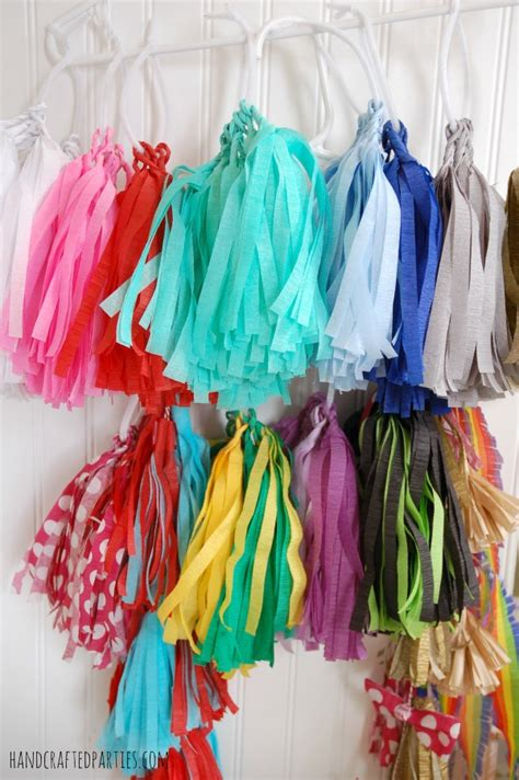 How To Make Paper Tassel Garland - how to make tassel garlands the easy way using crepe
