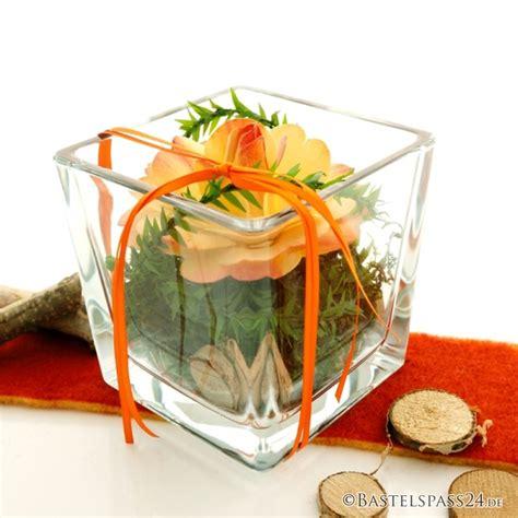tischdeko hochzeit vasen tischdeko mit glasvasen f 252 r hochzeit und feste